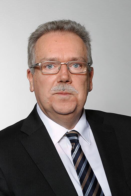 Dipl.-Kfm.<br/>Dieter Könen
