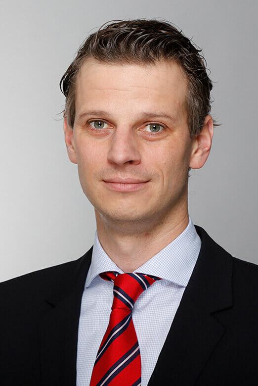 Licenciado en Ciencias Empresariales<br />Philipp Stübben   LL.M.