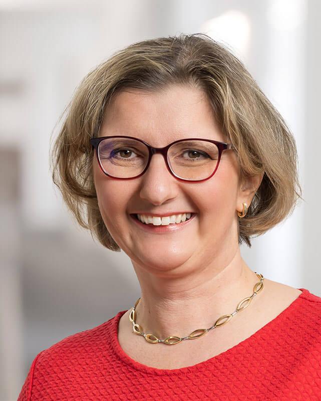 Carola Mackes
